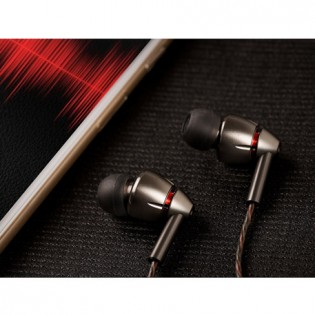 1MORE Quad Driver In-Ear Headphones