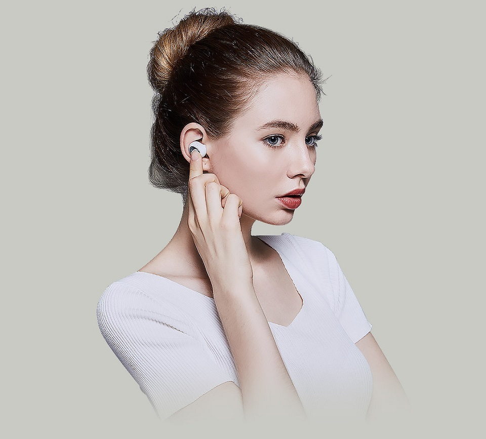 QCY Q26 Mini Bluetooth Headset Photo 2
