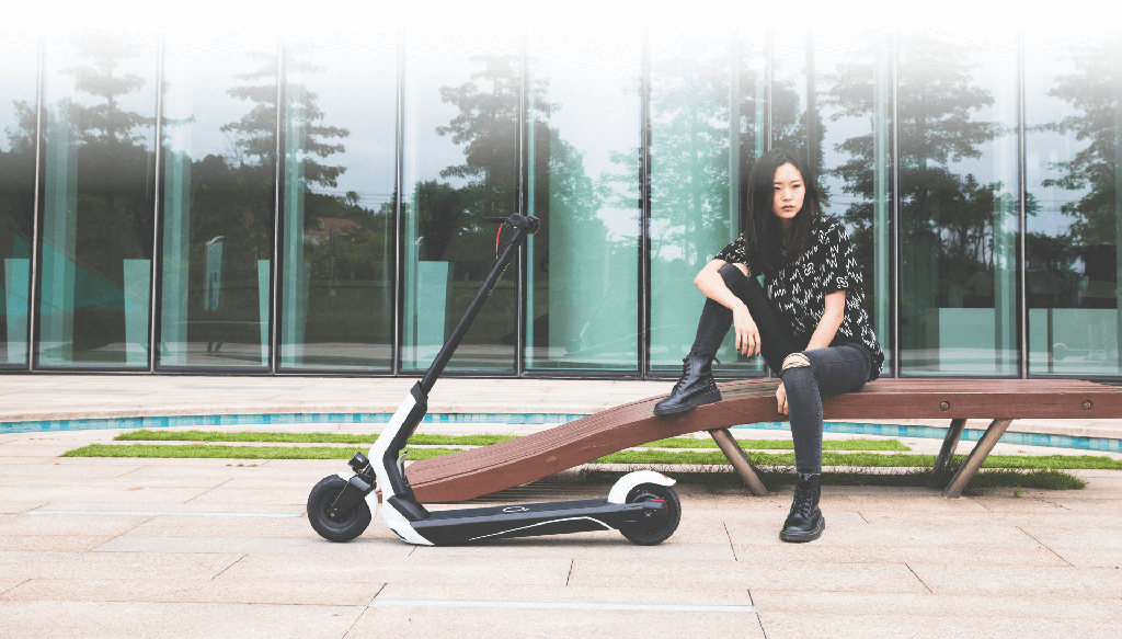 Xiaomi QiCycle EUNi Electric Scooter Photo 3